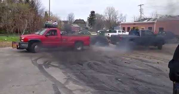 Chevrolet 3500 Ford F 350 Tug Of War 2