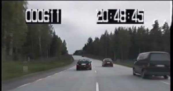 Lotus Omega vs police sweden 1