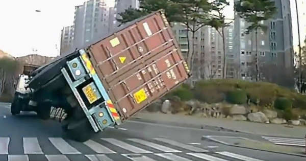 The Best Funny Truck Fails Compilation 2
