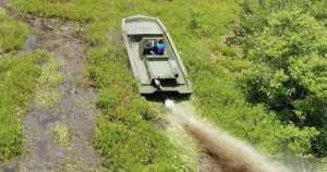 21 Riverine Swamp Shark Boat Metal MudBoat water fishing hunting 11