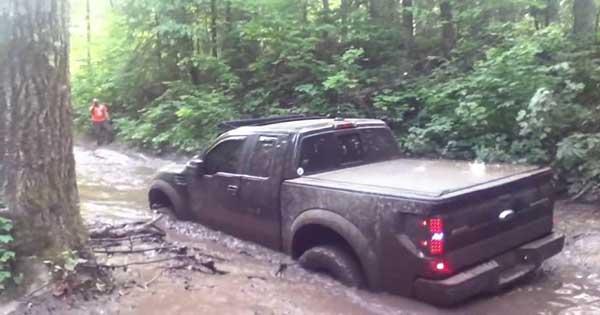 Ford Raptor Pickup Truck Destroy 2
