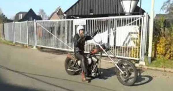 Harley Rat Bike Chopper VS Honda CBR1000RR 1