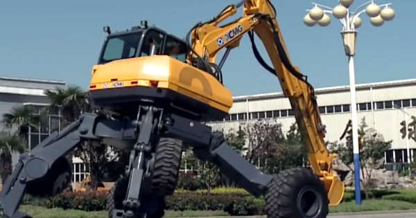 Nothing Can Stop This Powerful Walking Excavator 2
