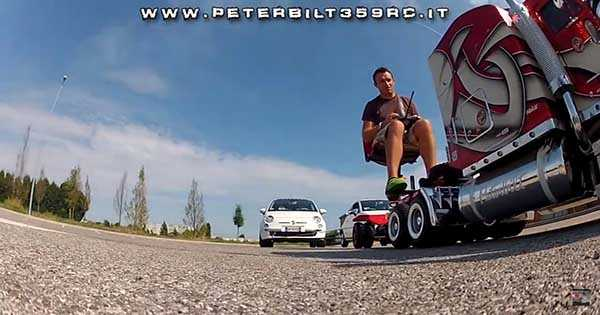 RC Truck Model Peterbilt 359 Fiat 500 2