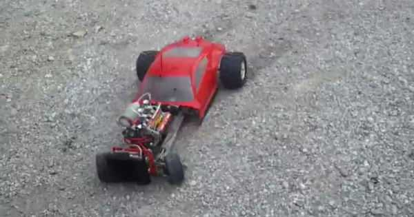 Super Powered V8 RC Car 2