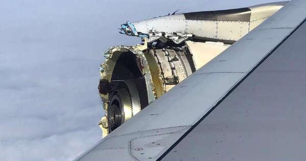 The Massive Airbus A380-800 Loses His ENGINE Above ATLANTIC OCEAN 2