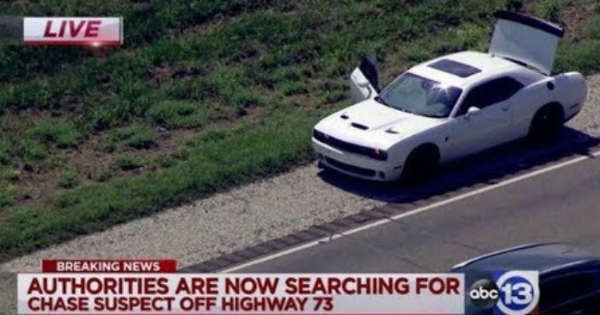 This Dodge Hellcat Is Involved In a Furious Police Chase in Houston 2