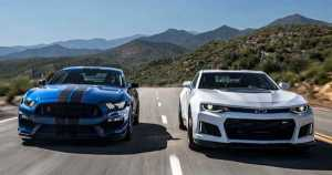 2017 Chevrolet Camaro ZL1 vs 2017 Ford Shelby Mustang GT350R 2