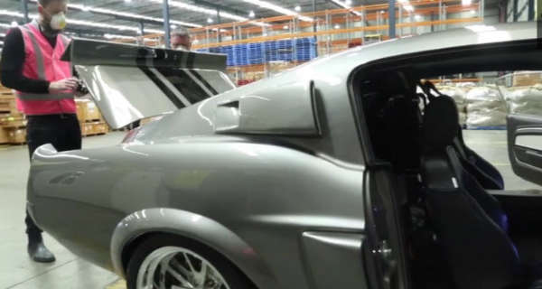 Australian Border Police Detects Asbestos in Imported Classic Cars 2