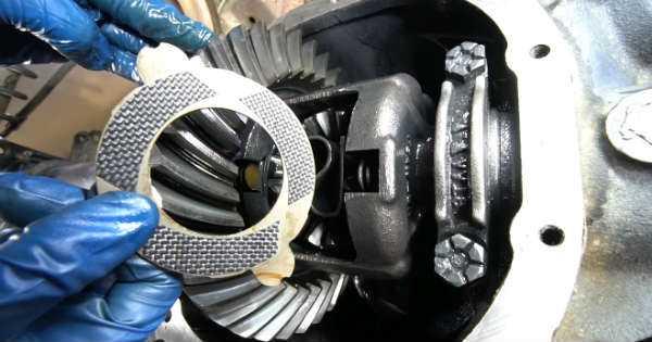 Install Carbon Fiber Clutches 2