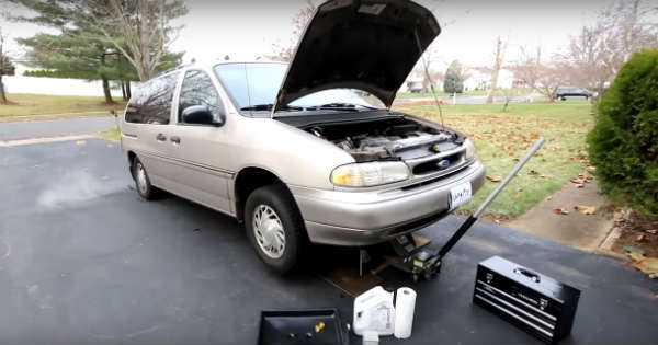 Oil Change On A 1995 Ford Windstar 2