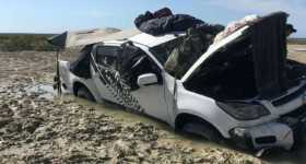 Stranded Sleep On Car Roof To Avoid Crocodiles Circling Around Their Vehicle 1