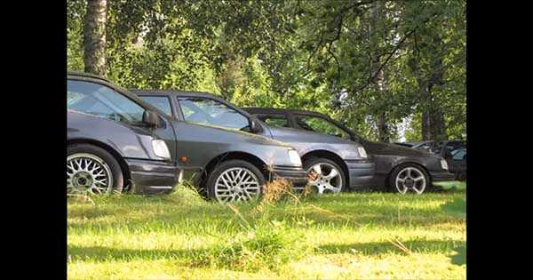 Abandoned Ford Sierra RS Cosworth 2