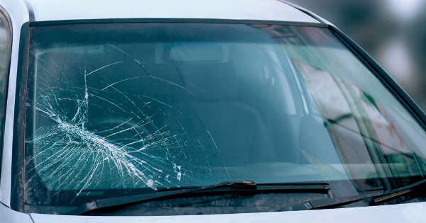 How To Keep Your Windshield From Becoming Damaged 1