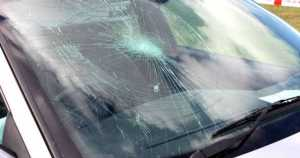 How To Keep Your Windshield From Becoming Damaged 11