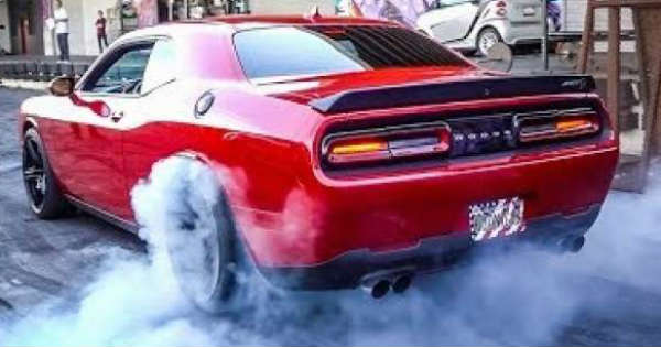 Leah Pritchetts Dodge Hellcat vs Sleeper RX7 2