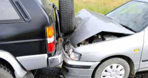 How to Deal with Car Damage After an Accident 2