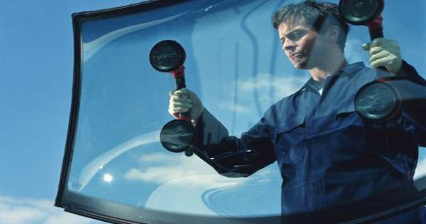 4 Reasons to Avoid Waiting to Address Windscreen Repairs 3