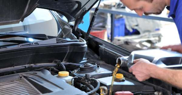 5 Things to Know About Getting a Car Oil Change 1