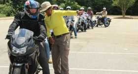 How to Take a Motorcycle Course for Newbie Riders 2