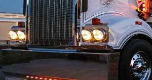 Do Your Semi Truck Lights Need Replacing 1