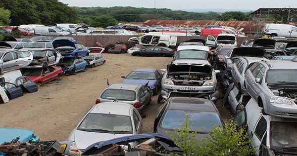 _Car Wreckers Hamilton 1